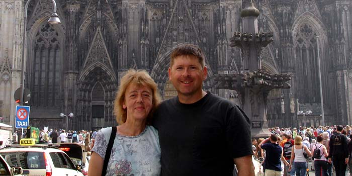 Hanne & I at the Dom Cathedral in Köln.